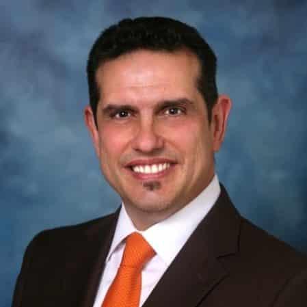 Dr-Ramon-Castellanos